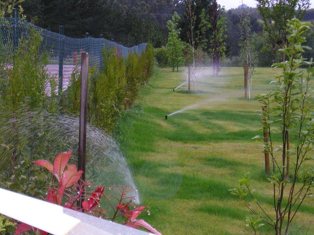 Riegos autom ticos en bizkaia enara jardin empresa de jardiner a en portugalete - Piscinas de portugalete ...